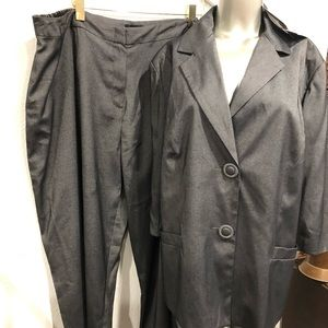 Russell Kemp suit